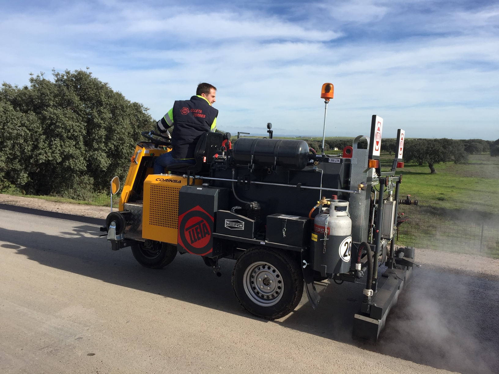 First unit delivered of the self-propelled sprayer WEIRO